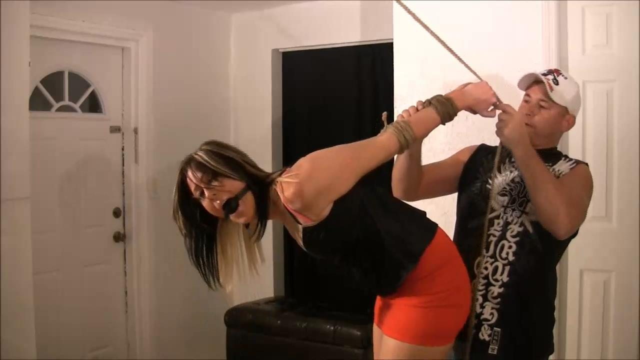 Jane Lyn In Scene: Jane Lyn's One Legged Strappado - BRIELLASBONDAGEBOUTIQUE - HD/720p/MP4
