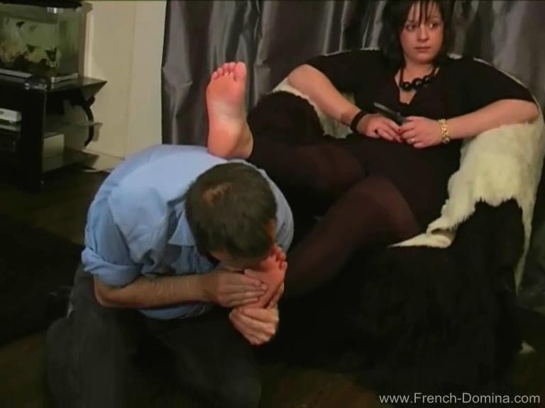 Mistress Alice In Scene: Ms Alice - At my feet - FRENCH-DOMINA - SD/576p/WMV
