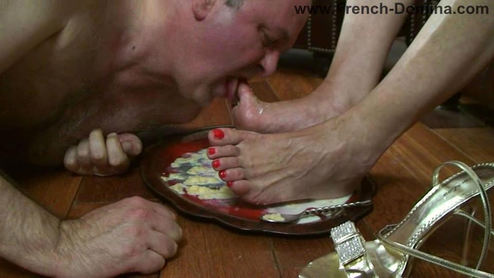 Mistress Eva In Scene: Eat it - FRENCH-DOMINA - SD/540p/WMV