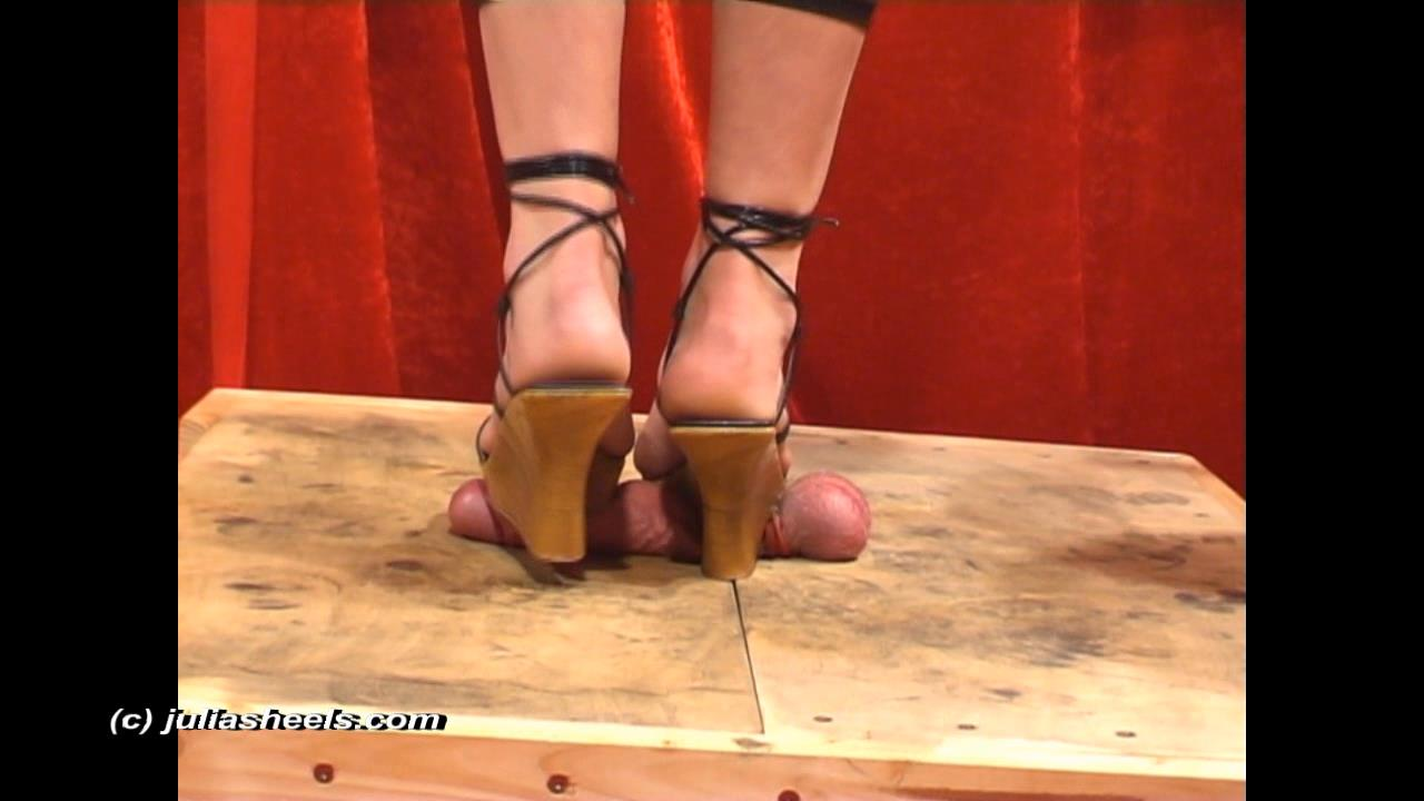 Mistress Julia In Scene: Abused hard by wedges - JULIASHEELS - HD/720p/WMV