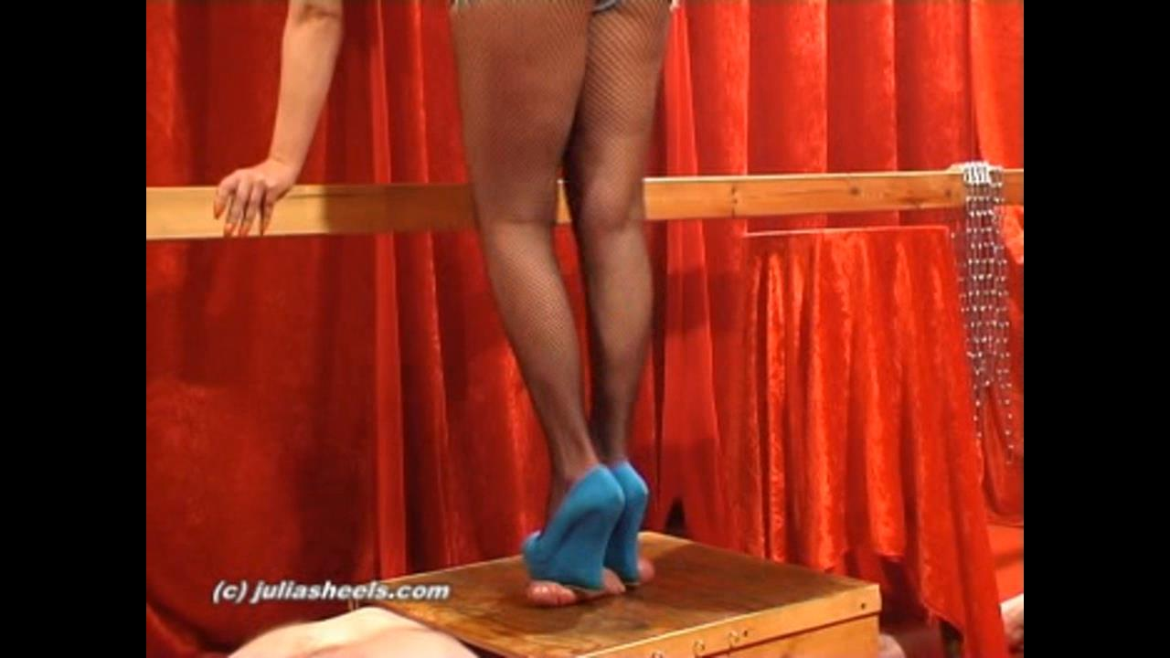 Mistress Natasha In Scene: Wedges heels pump cum - JULIASHEELS - HD/720p/WMV