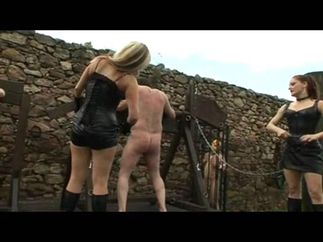 MISTRESS NICOLETTE, MISTRESS GEMINI In Scene: HAPPY HOUR AT THE PILLORY - OWK / OWK-CINEMA - SD/480p/MP4
