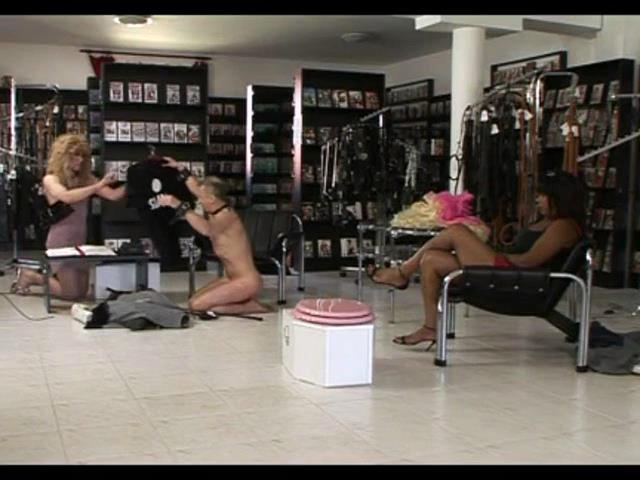SHOPPING WITH MISTRESS SAVANNAH - OWK / OWK-CINEMA - SD/480p/MP4