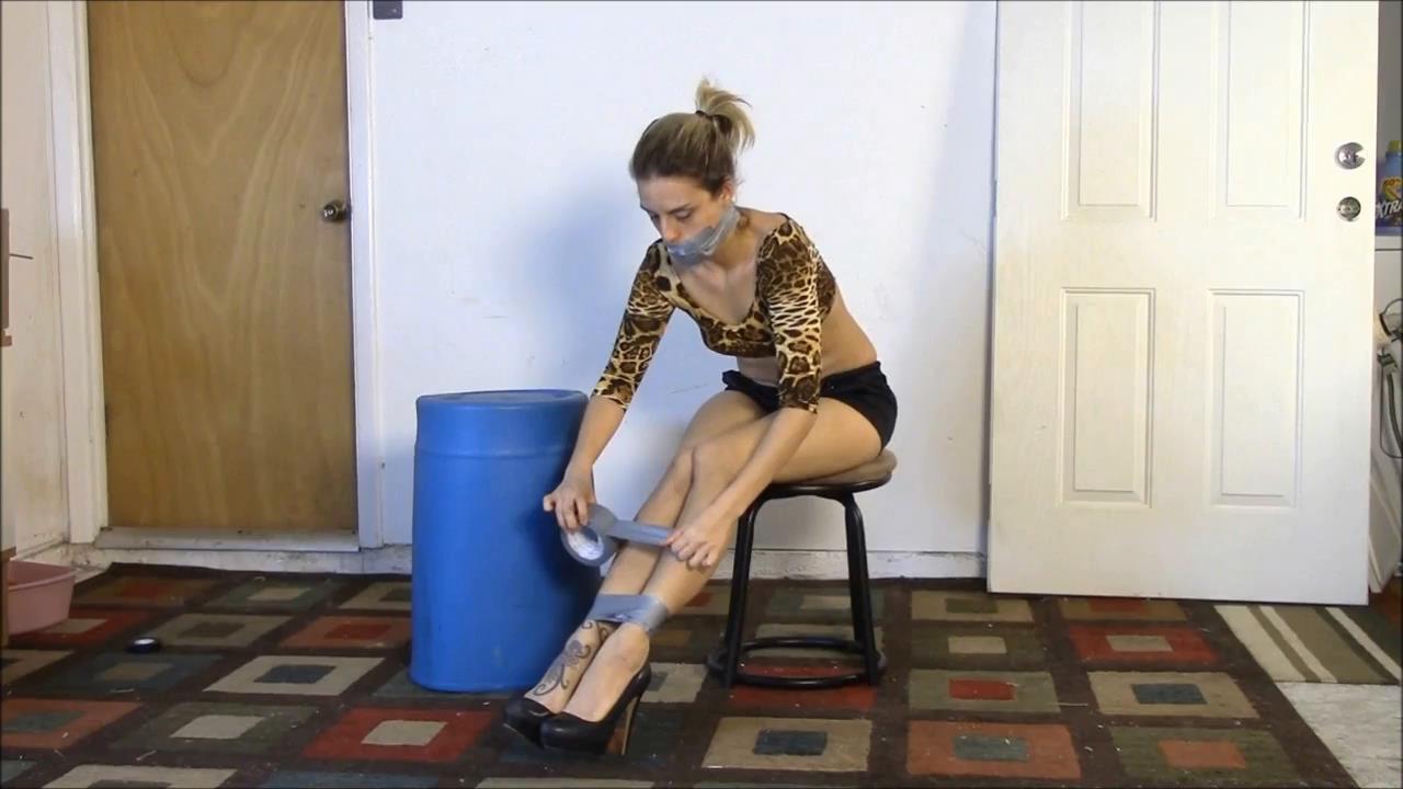 Briella Jaden In Scene: Briella's First Self Bondage and Self Gagging - BRIELLASBONDAGEBOUTIQUE - HD/720p/MP4