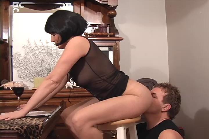 licking mrs thorns ass