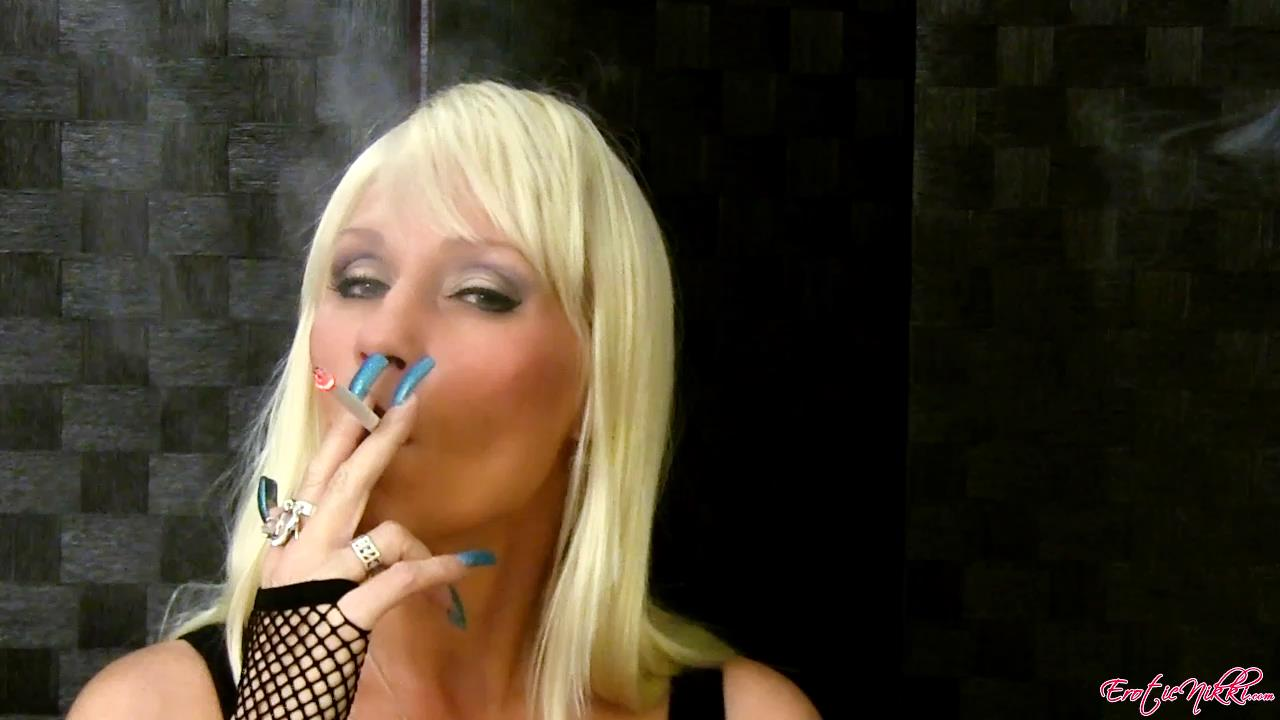 Erotic Nikki Ashton In Scene: Smoking in a Wig - EROTICNIKKI - HD/720p/MP4
