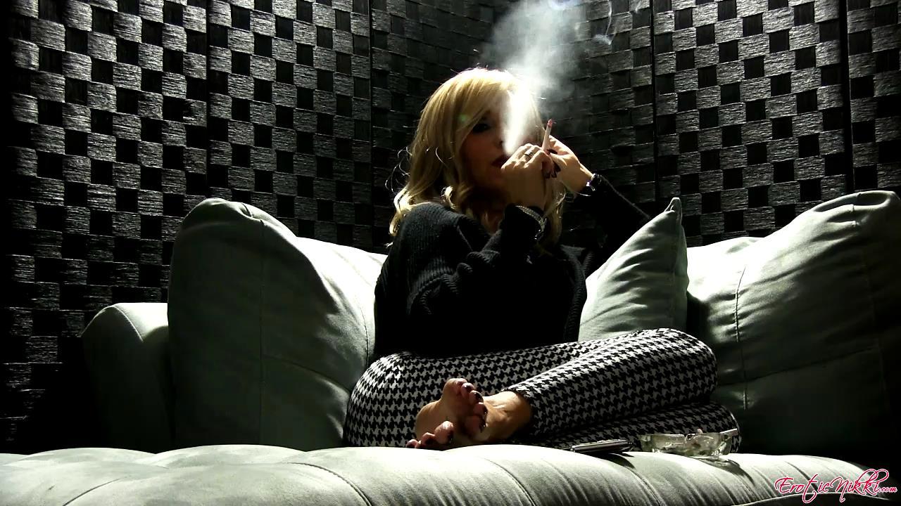 Erotic Nikki Ashton In Scene: Last Smoke of The Night - EROTICNIKKI - HD/720p/MP4