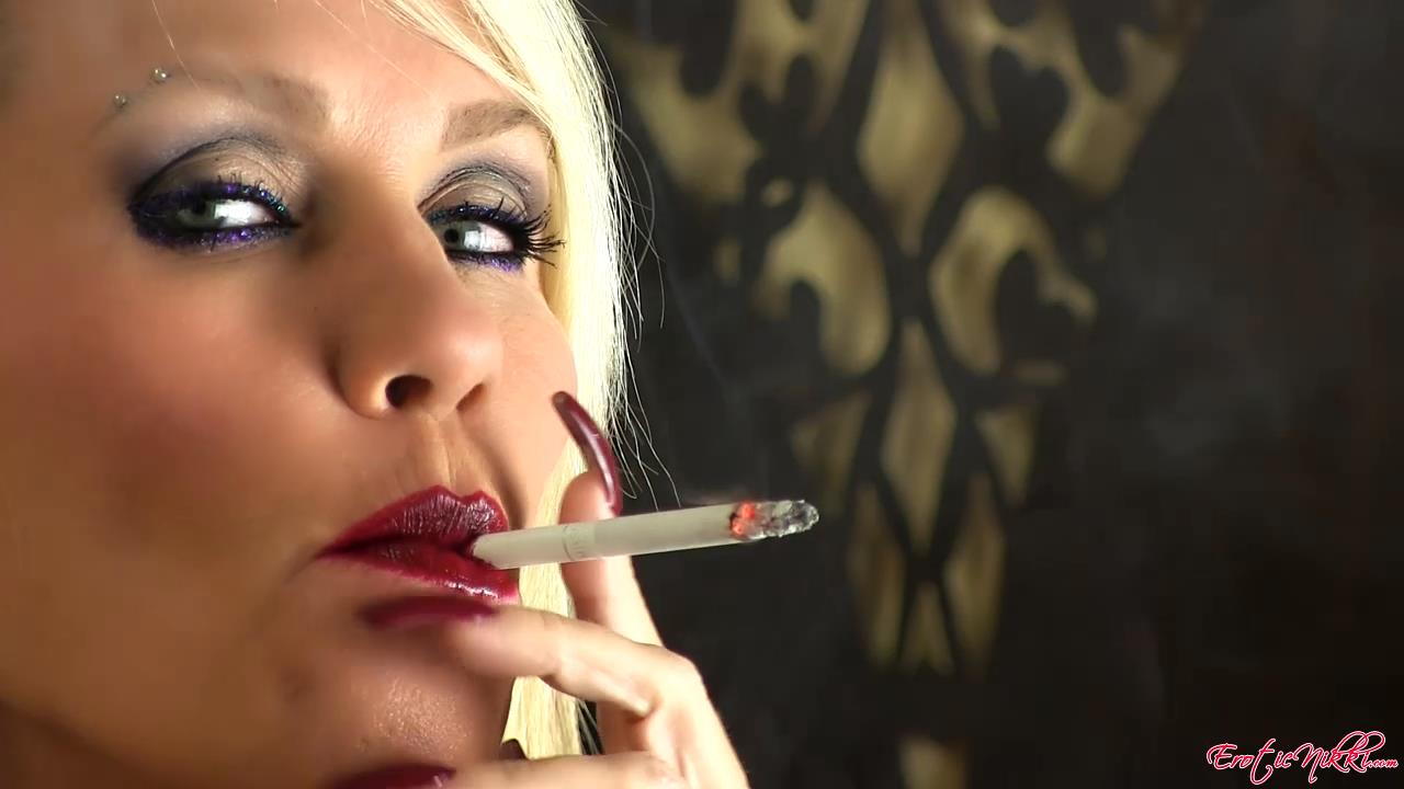 Erotic Nikki Ashton In Scene: Red, White and Blew - EROTICNIKKI - HD/720p/MP4