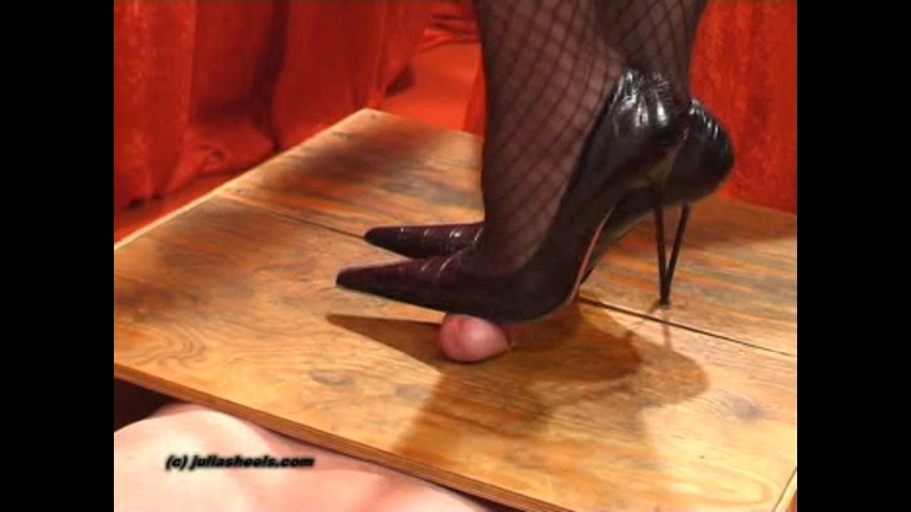 Mistress Julia In Scene: Cruel Heels Torture - JULIASHEELS - HD/720p/WMV