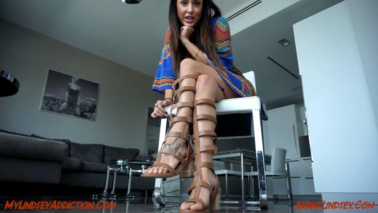 Lindsey Leigh In Scene: Worship My Gladiator Feet - MYLINDSEYADDICTION - HD/720p/MP4