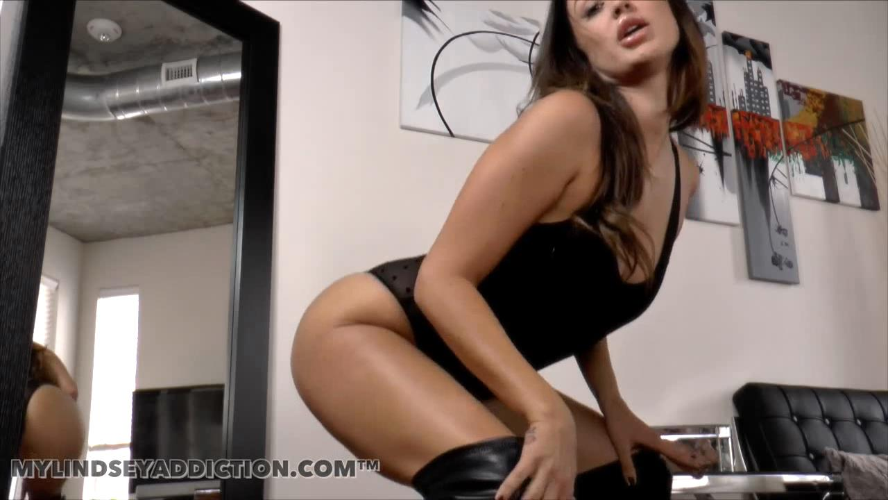 Lindsey Leigh In Scene: Boot Edging Series - MYLINDSEYADDICTION - HD/720p/MP4