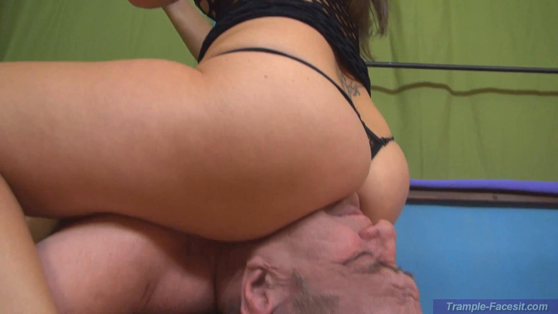 Yvette Costea In Scene: Slave-beheading by ass - FACESITTING-PARADISE - FULL HD/1080p/MP4