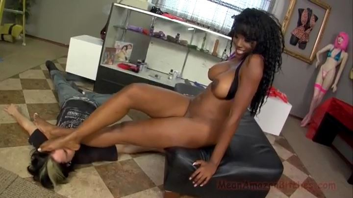 Nyomi Banxxx In Scene: MEANAMAZONBITCHES - Nyomi Banxxx - MEANWORLD - SD/404p/MP4