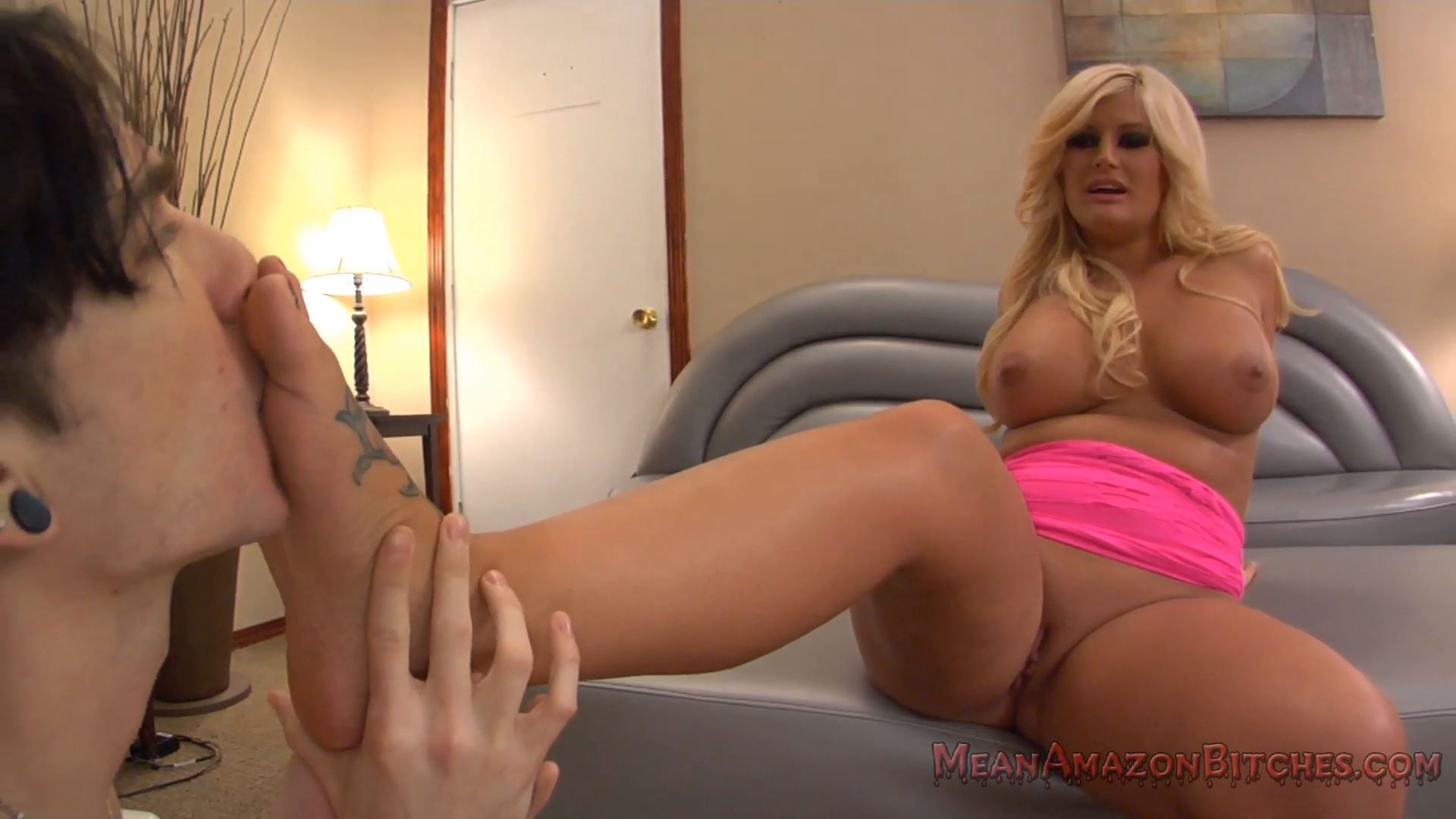 Julie Cash In Scene: MEANAMAZONBITCHES - Julie Cash - MEANWORLD - FULL HD/1080p/MP4