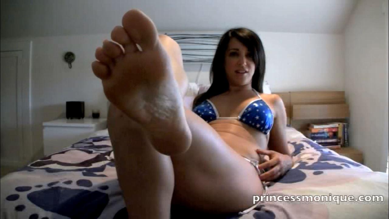 Monique Stranger In Scene: FEET FOR STEP SON - PRINCESSMONIQUE - HD/720p/MP4