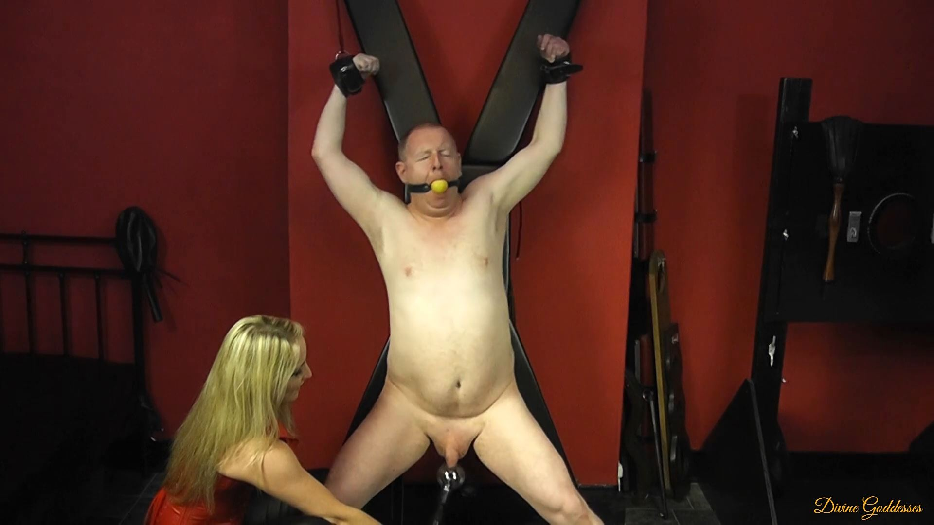 MISTRESS COURTNEY In Scene: SUBBY RESTRAINED AND SHOCKED - DIVINEGODDESSES - FULL HD/1080p/MP4