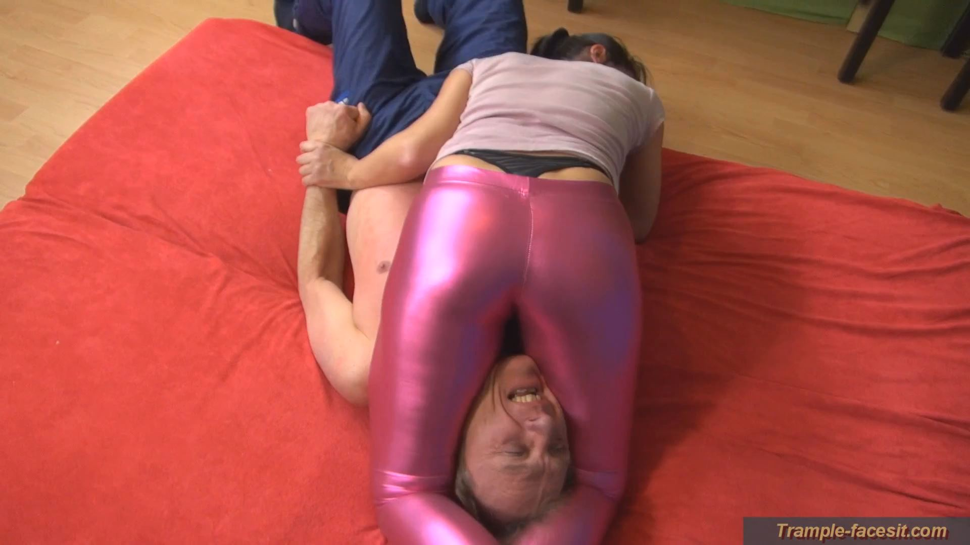 Daliah In Scene: The trap of the metal-legs - FACESITTING-PARADISE - FULL HD/1080p/MP4