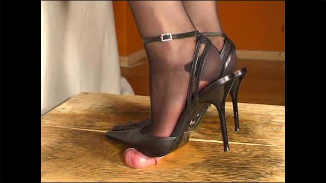 Mistress Julia In Scene: I milk you with my slingbacks - JULIASHEELS - HD/720p/MP4