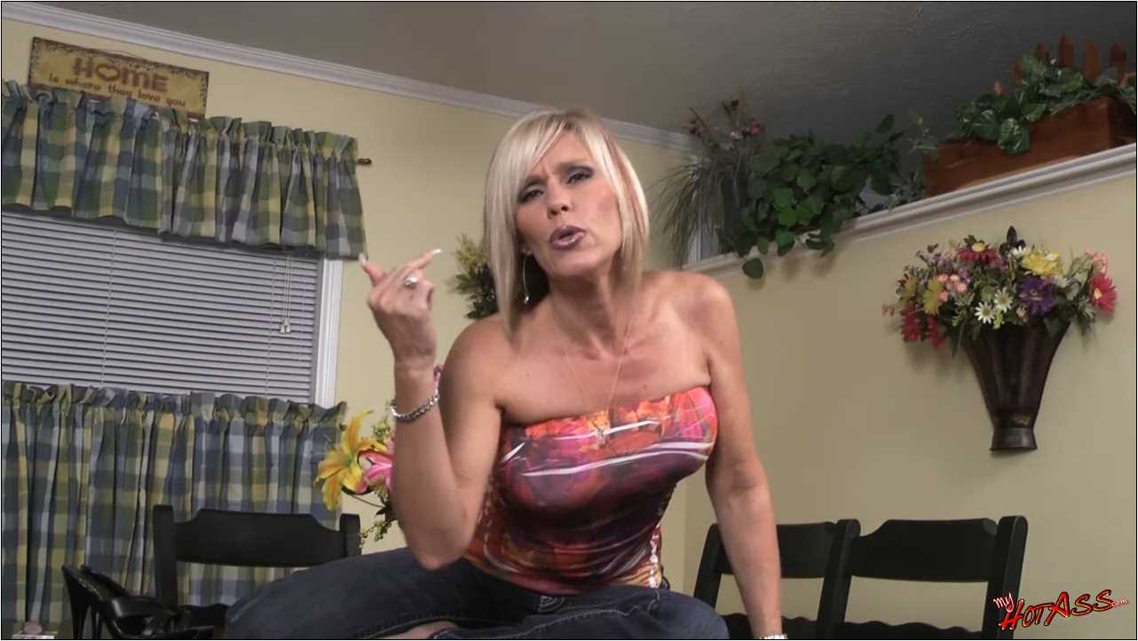 Nikki Ashton In Scene: Beat your Own Meat - MYHOTASS - HD/720p/MP4