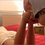 MISS LOLLIROT In Scene: SLEEPY FEET WORSHIP – TOES2NOSE – HD/720p/MP4