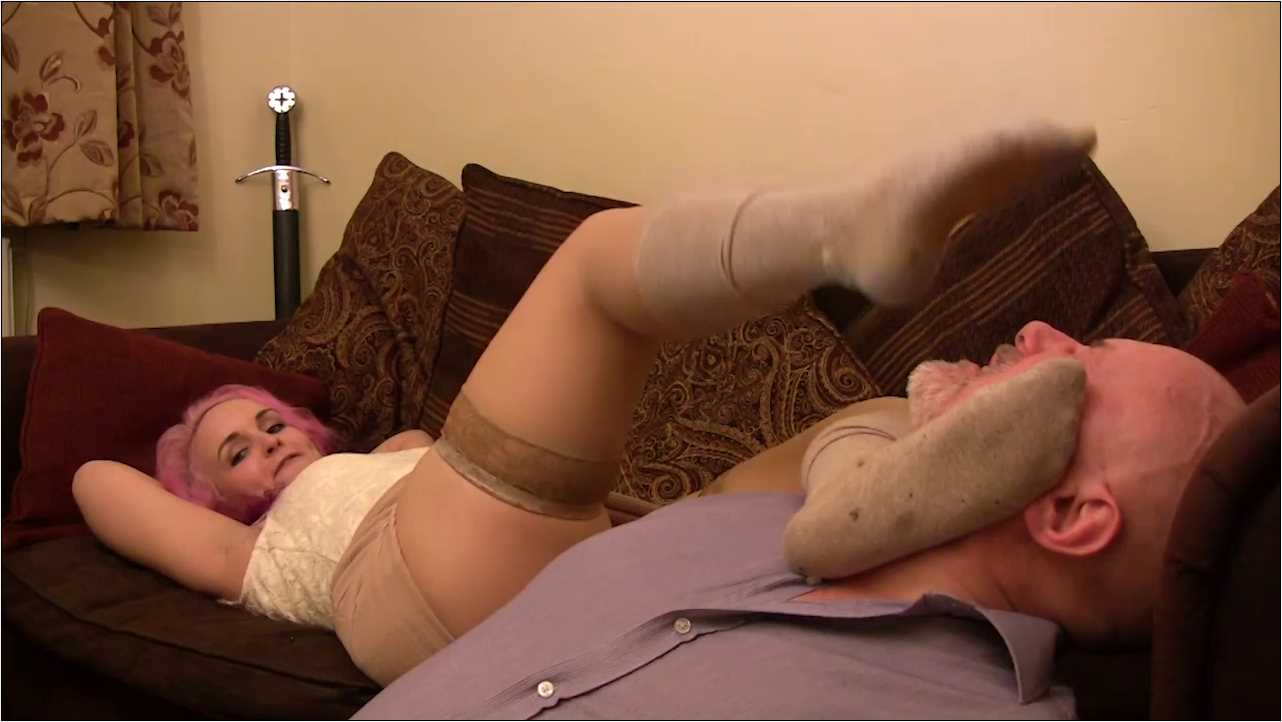 SLAVE MONKEYBOY, MISS LOLLIROT In Scene: COUCH FOOT WORSHIP DIRTY SWEATY SOCKS HUMILIATION - TOES2NOSE - HD/720p/MP4