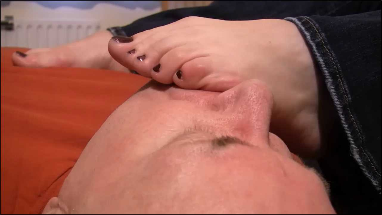 MISS LOLLIROT, SLAVE MONKEYBOY In Scene: SLEEPY FEET WORSHIP PLUS REVENGE - TOES2NOSE - HD/720p/MP4