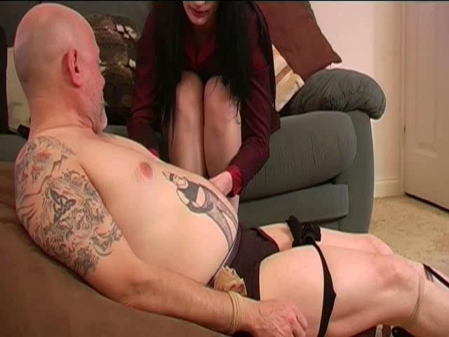 MISTRESS REBEKKA RAYNOR, SLAVE MONKEYBOY In Scene: THE WEDDING GUESTS - TOES2NOSE - SD/480p/MP4