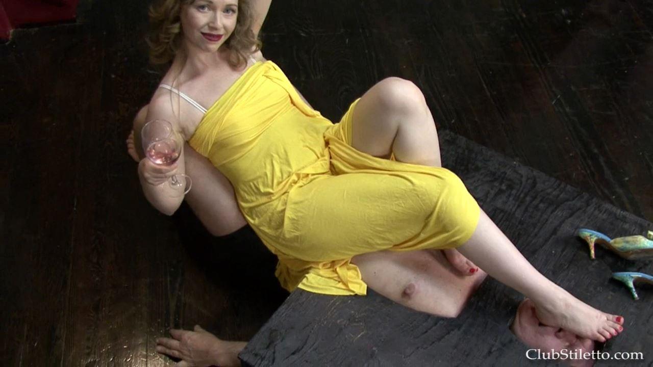 Mistress T In Scene: Beneath MY Soles POV - CLUBSTILETTO - HD/720p/MP4