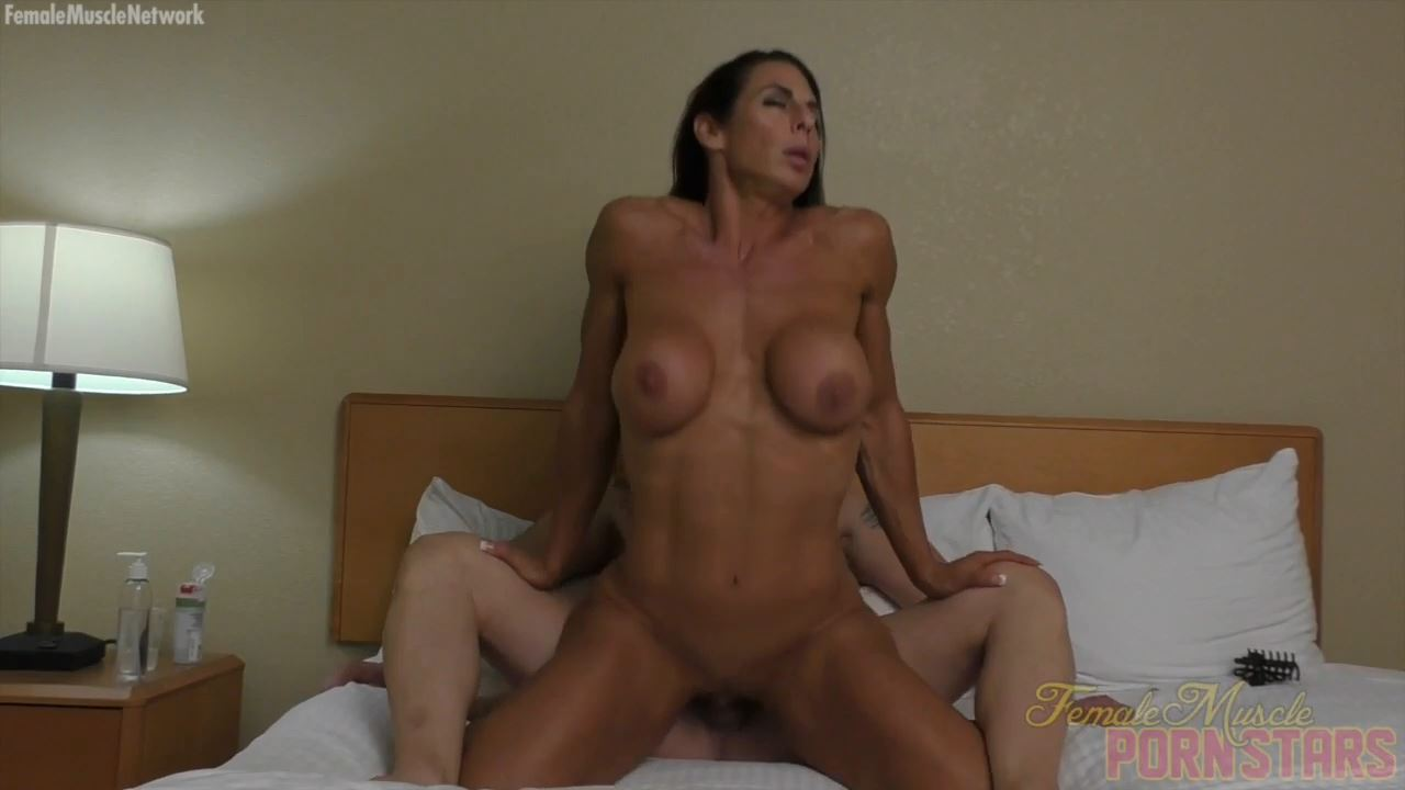 Briana Beau In Scene: She Loves To Fuck - FEMALEMUSCLEPORNSTARS / FEMALEMUSCLENETWORK - HD/720p/MP4