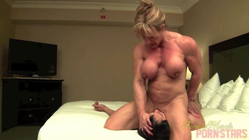 Wild Kat In Scene: Massage Therapy - FEMALEMUSCLEPORNSTARS / FEMALEMUSCLENETWORK - SD/480p/MP4