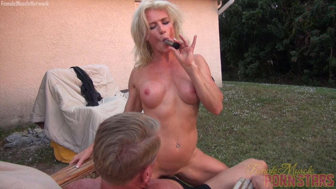 Mandy Foxx In Scene: She Likes Her Toy. You'll Like Watching Her Play With It - FEMALEMUSCLEPORNSTARS / FEMALEMUSCLENETWORK - HD/720p/MP4