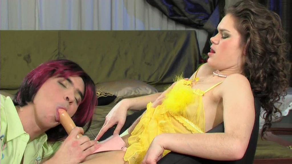 Myra, Melissa In Scene: Sissy goes for a wild strapon ride - MYSISSYBOYFRIEND - SD/576p/MP4