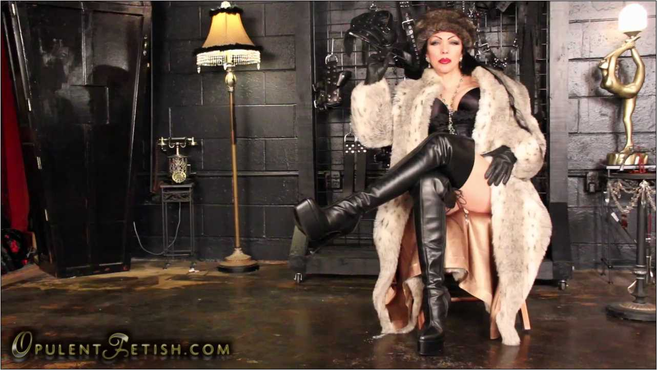Goddess Cheyenne In Scene: Smoking Venus in Furs - OPULENTFETISH / GODDESSCHEYENNE - HD/720p/MP4