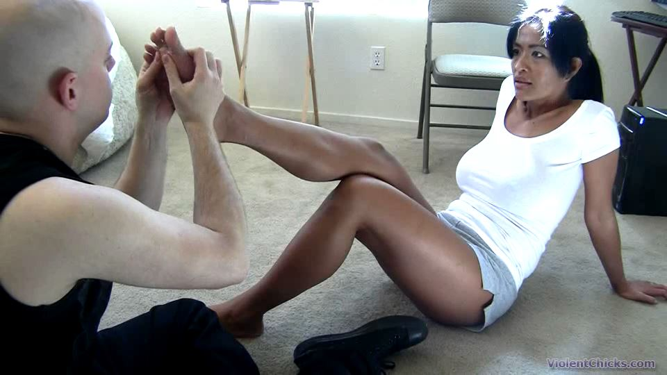 Mistress Tia In Scene: Massage and clean tired feet with tongue - VIOLENTCHICKS - SD/540p/MP4