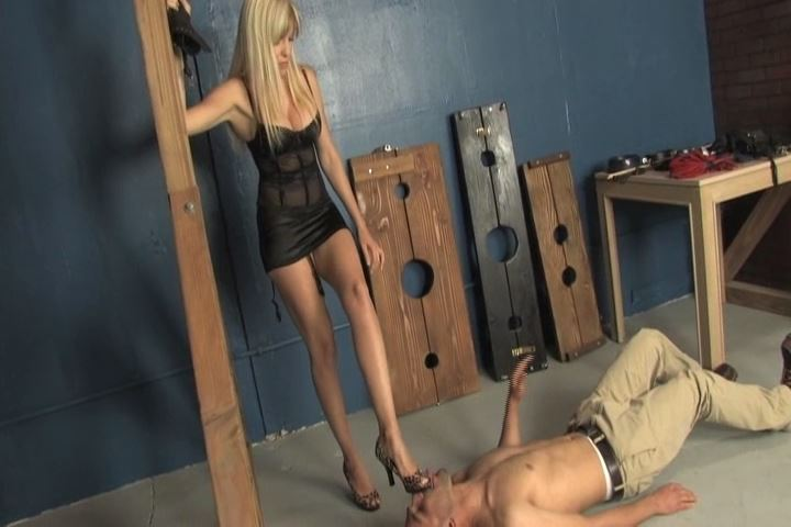 Goddess Sierra In Scene: Sierra beats Connor with a flogger - VIOLENTCHICKS - SD/480p/MP4