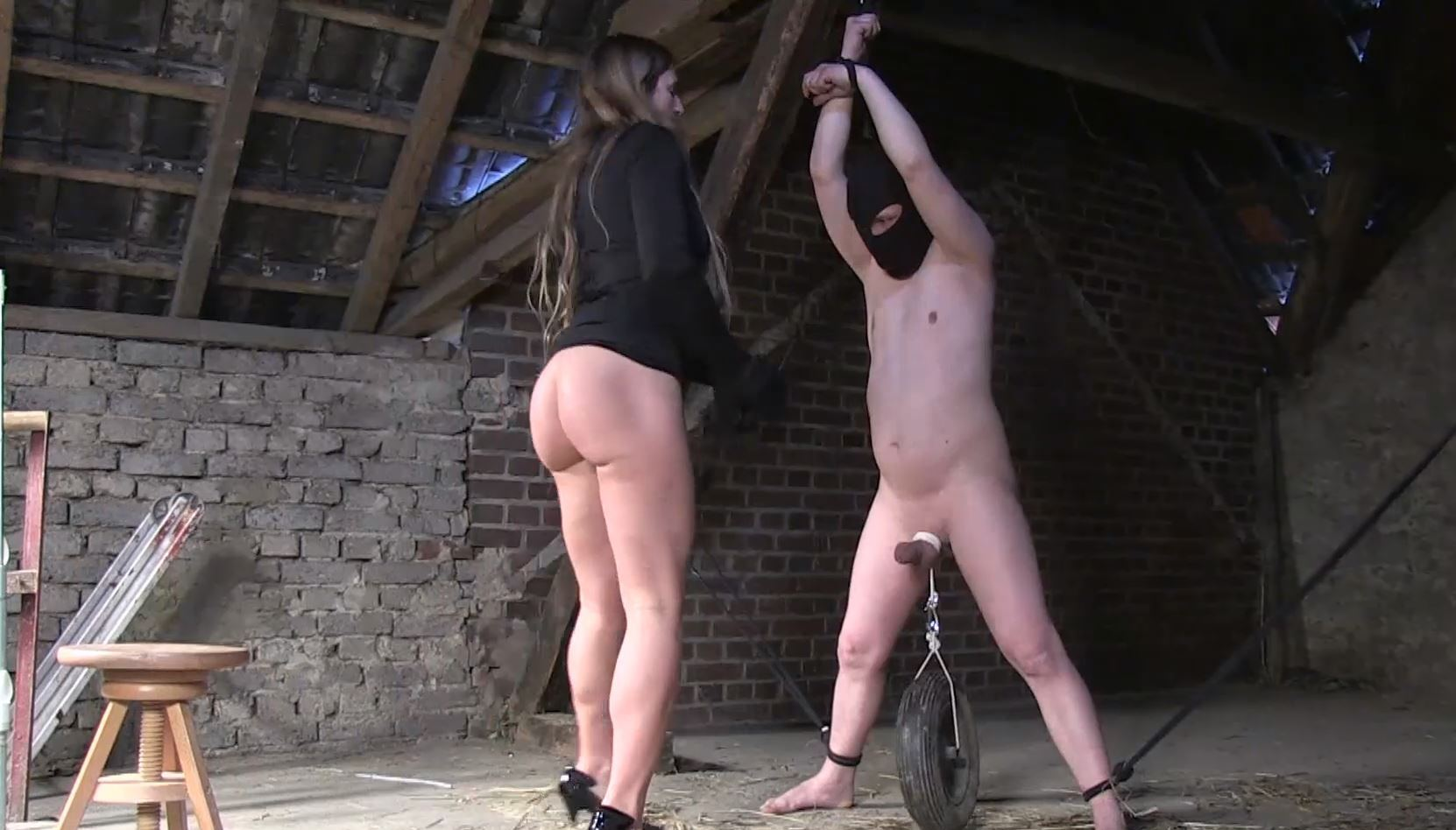 Isabella In Scene: Wheel on the balls - BALLBUSTINGCHIKS - FULL HD/1080p/MP4