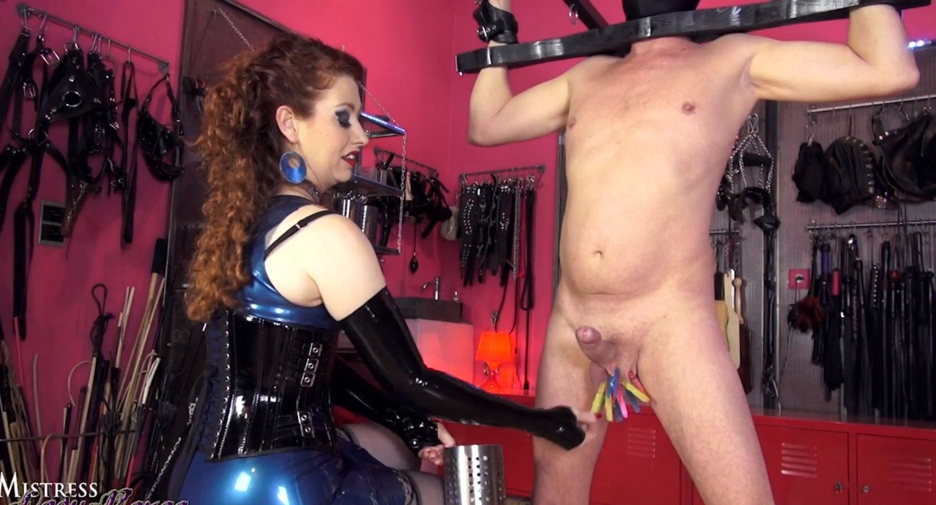 Mistress Lady Renee In Scene: Stretching Balls - MISTRESSLADYRENEE - FULL HD/1080p/MP4