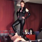 Mistress Lady Renee In Scene: Barefoot trampling – MISTRESSLADYRENEE – FULL HD/1080p/MP4