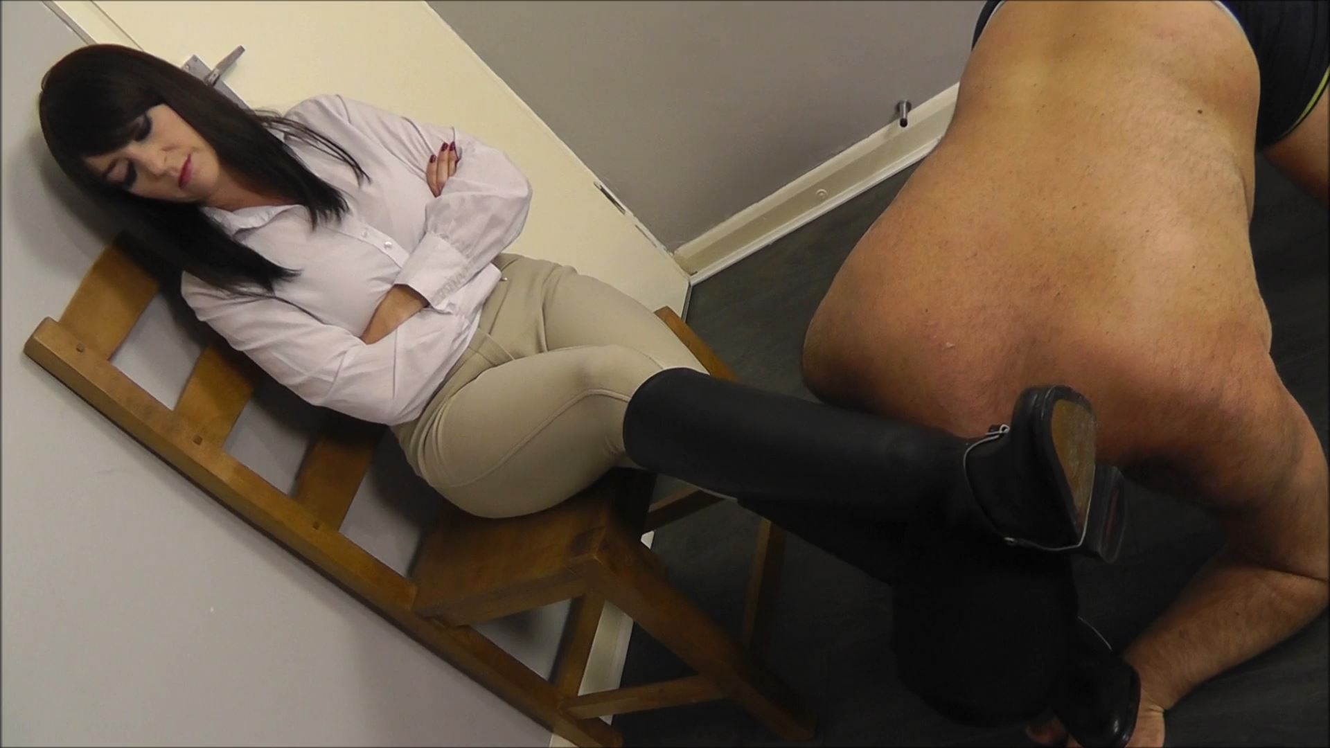 Miss Jessica In Scene: Licking Boots Part 1 - THEBRITISHINSTITUTION - FULL HD/1080p/MP4