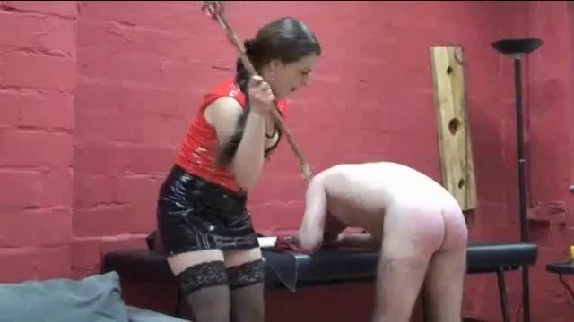 Lady Atropa In Scene: Getting and gargling the piss of the Lady - ERONITE-FEMDOM - LQ/360p/MP4
