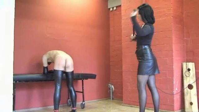 Joy van Doren, Kinky Bo In Scene: Hard smacks by TV-Lady Joy van Doren - ERONITE-FEMDOM - LQ/360p/MP4