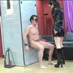Annika Bond In Scene: Anal stretching for the slave – ERONITE-FEMDOM – LQ/360p/MP4