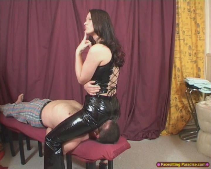 Yvette Costeau In Scene: PVC facesitting and riding - FACESITTING-PARADISE - SD/576p/MP4