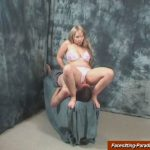Chrissy In Scene: Fullweight-sitting on a happy face – FACESITTING-PARADISE – SD/576p/MP4
