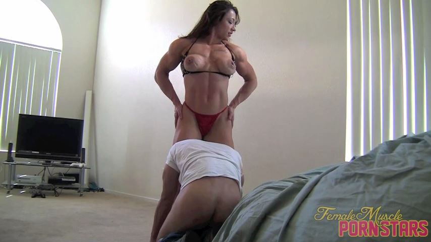 BrandiMae In Scene: Laundry Servicing - FEMALEMUSCLEPORNSTARS / FEMALEMUSCLENETWORK - SD/480p/MP4
