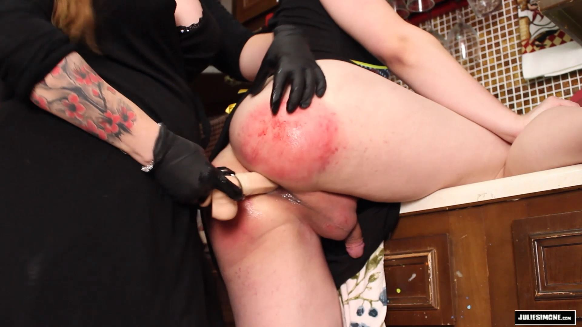 Julie Simone, Tai Crimson In Scene: Pegging Tai - JULIESIMONE - FULL HD/1080p/MP4
