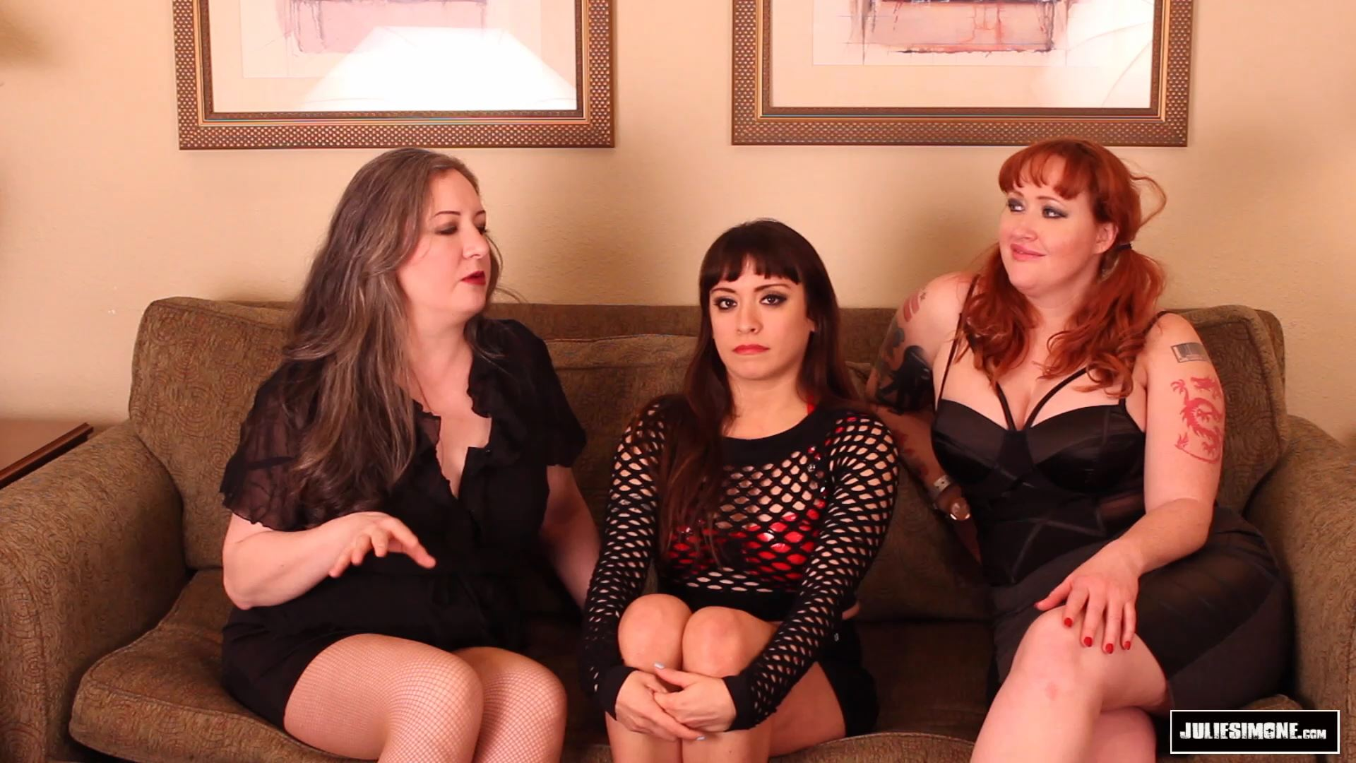 Amara Noir, Anna Valentina, Julie Simone In Scene: Toilet Humiliation - JULIESIMONE - FULL HD/1080p/MP4