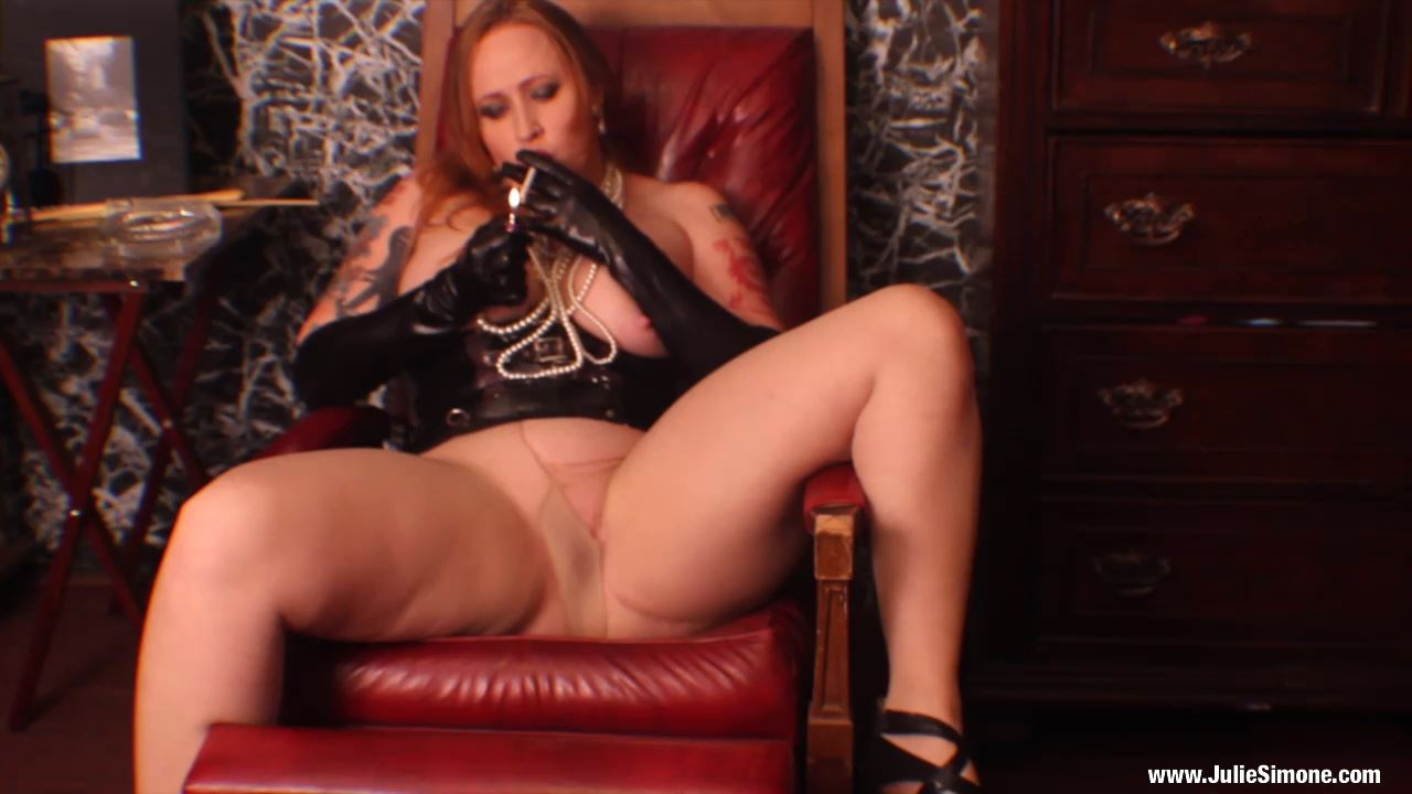 Julie Simone In Scene: Smoking Pantyhose Masturbation - JULIESIMONE - HD/720p/MP4