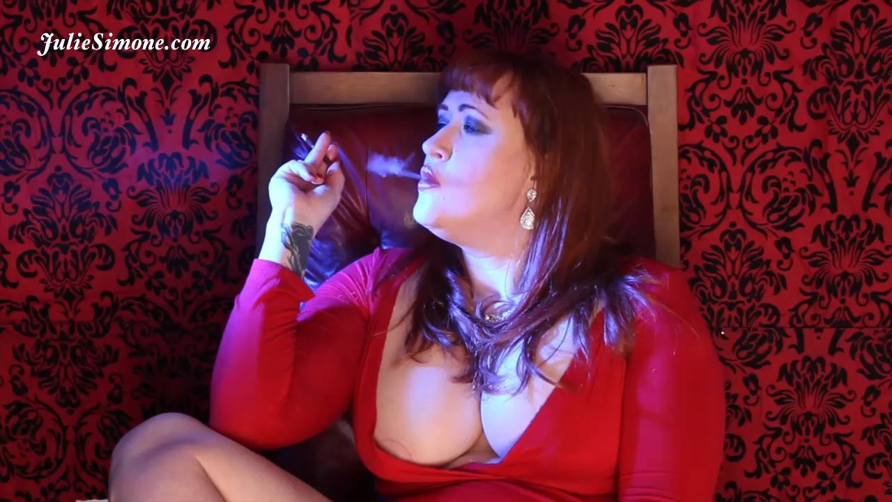 Julie Simone In Scene: Mores 120 Busty Smoke - JULIESIMONE - HD/720p/MP4