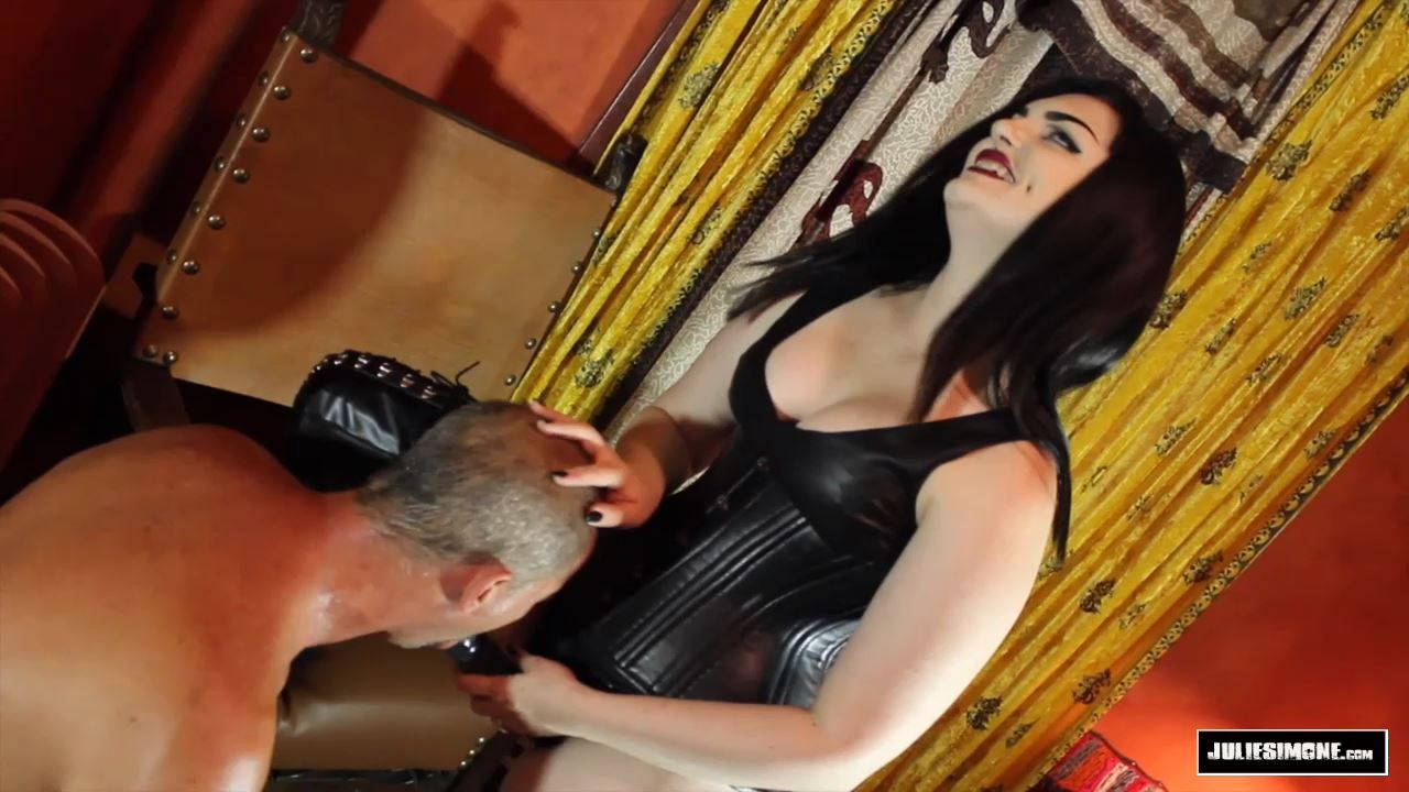 Quinn Helix, Jack Steele In Scene: Leather Mistress Throat Fuck - JULIESIMONE - HD/720p/MP4